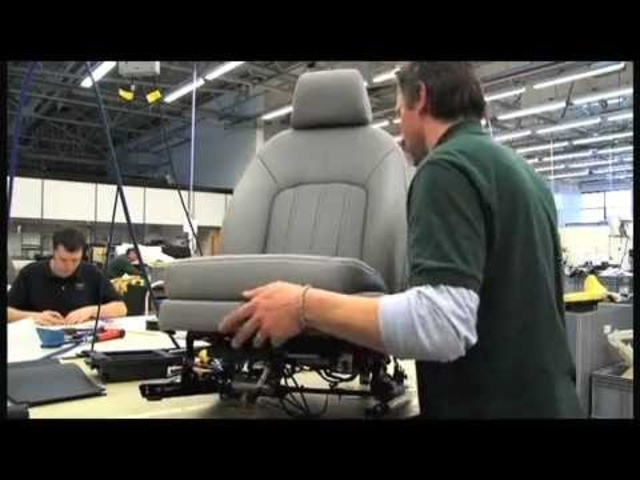 Creating A <em>Bentley</em> Mulsanne Part 4/6 Carjam TV 2013 Car TV Show