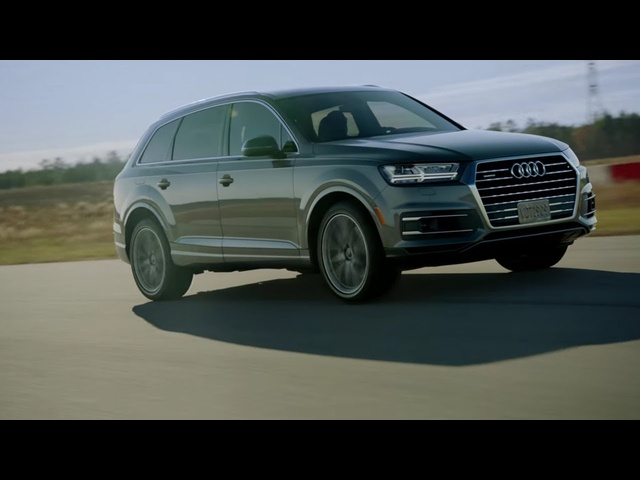 <em>Audi</em> Q7: Luxury & Design