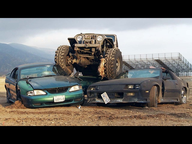 Mullet-Car Thrash Battle! (Jeep Wins) - Roadkill Ep. 49