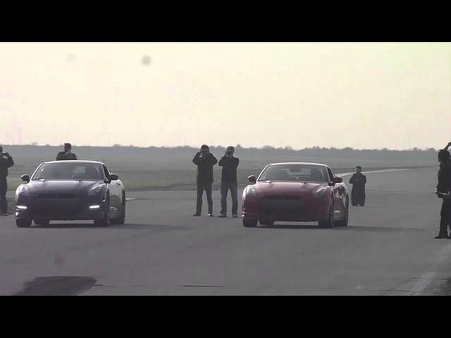2012 <em>Nissan</em> GT-R Drag Race Vs. 2011 <em>Nissan</em> GT-R