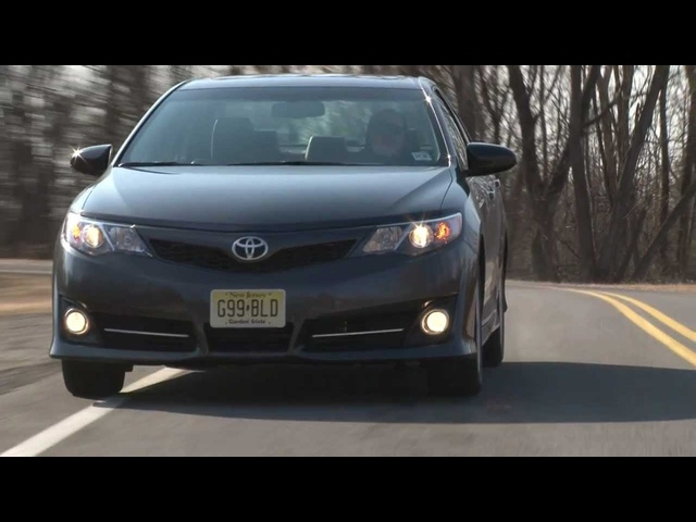 2012 <em>Toyota</em> Camry SE - Drive Time Review with Steve Hammes | TestDriveNow