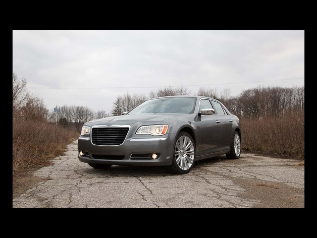 2012 Chrysler 300C - Name That Exhaust Note, Episode 118 - CAR and DRIVER