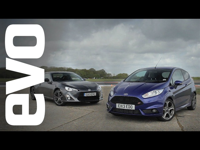 Ford Fiesta ST vs <em>Toyota</em> GT86 | evo TRACK BATTLE