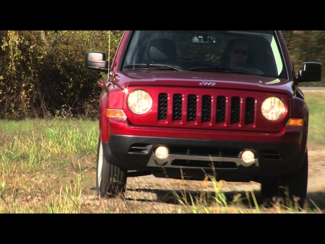 2014 Jeep Patriot - TestDriveNow.com Review with Steve Hammes