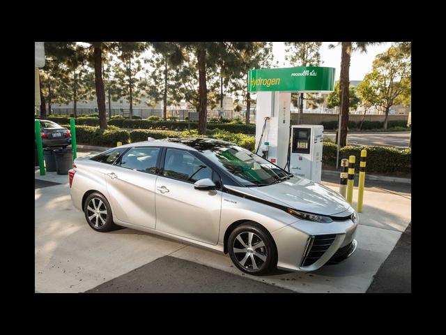 2016 <em>Toyota</em> Mirai -TestDriveNow.com Preview by Auto Critic Steve Hammes