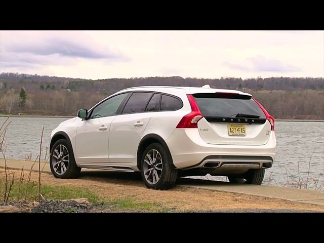 2015.5 Volvo V60 Cross Country - TestDriveNow.com Review by Auto Critic Steve Hammes
