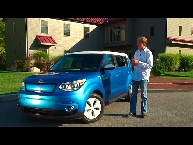 <em>Kia</em> Soul EV + 2015 Review