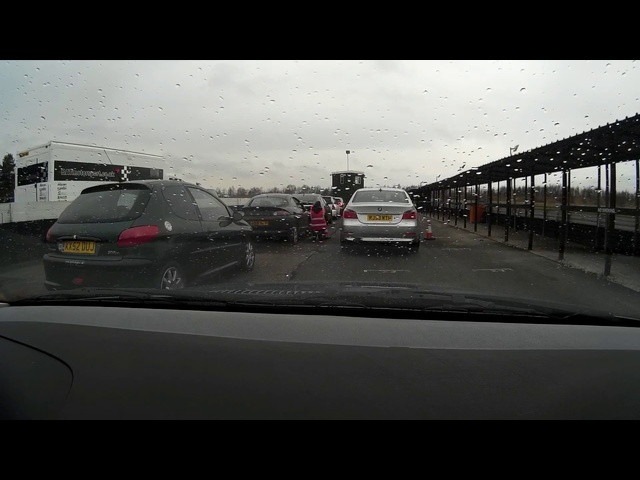 We took my £275 <em>BMW</em> 323i to Three Sisters race track.
