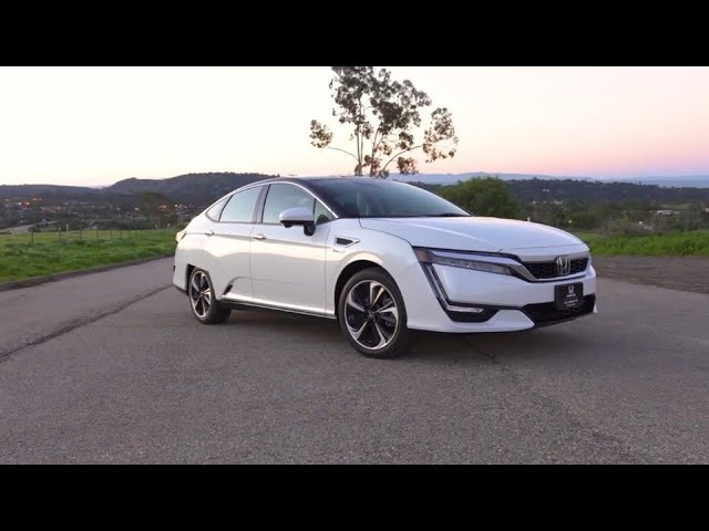 2017 <em>Honda</em> Clarity Fuel Cell - First Look | TestDriveNow