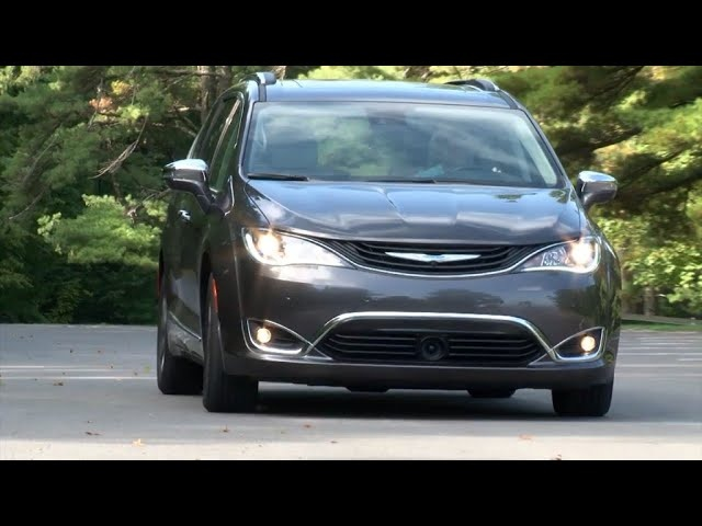 2017 Chrysler Pacifica Hybrid | 84 MPGe| Complete Review