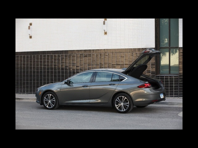 Buick Regal Sportback 2018 | First Look | with Steve Hammes