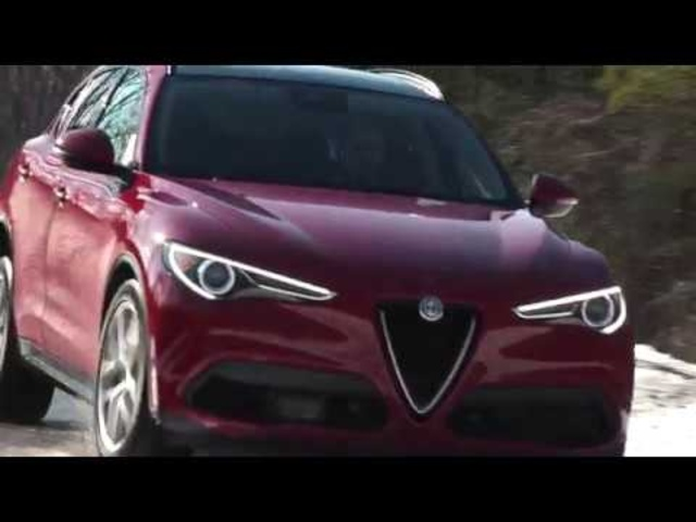 Alfa Romeo Stelvio Sport 2018 | Complete Review | with Steve Hammes | TestDriveNow