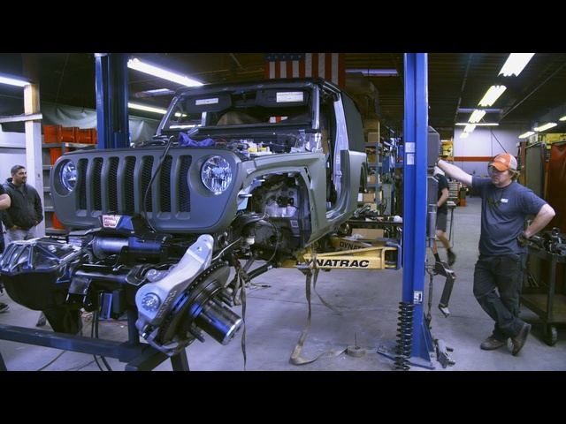Turning the Very First <em>Jeep</em> JL Into A Rockcrawler - Dirt Every Day Preview Ep. 76