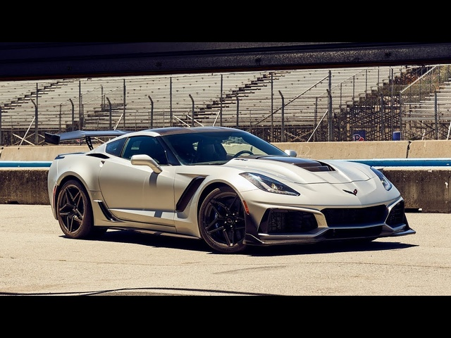 Best Driver's Car Contender: 2019 Chevrolet Corvette ZR1