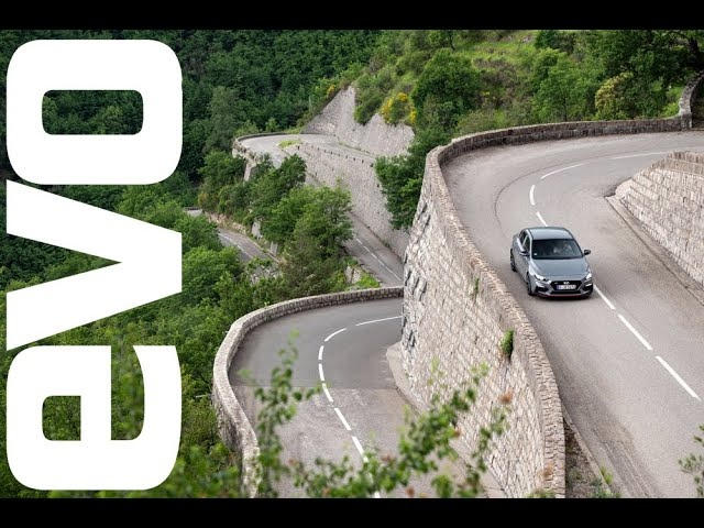 Hyundai i30 Fastback N on the Col de Turini