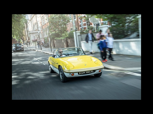 Driving my Lotus Elan Sprint on the Lotus Evija launch event in London