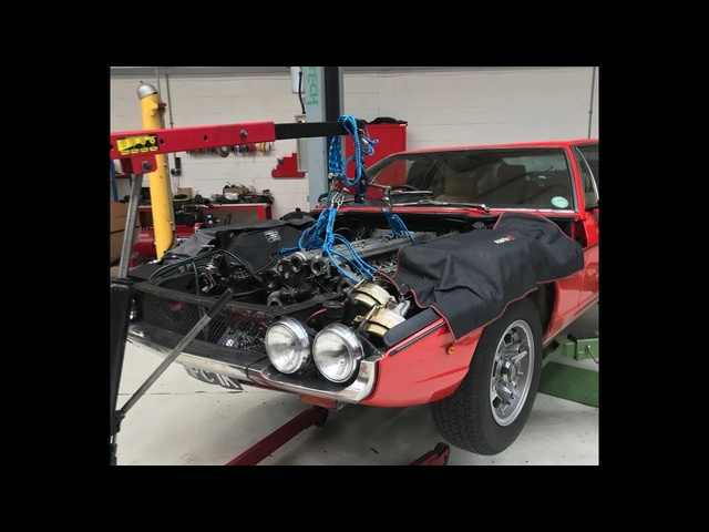 Lamborghini Espada V12 engine rebuild. Part 1, removing the engine