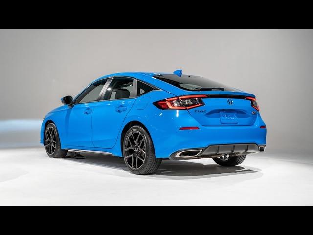 2022 Honda Civic Hatchback FIRST LOOK | MotorTrend