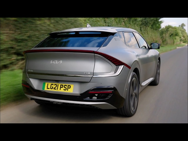 Kia EV6 Road Review: I'd Pick This Over Hyundai Ioniq 5, Here's Why | Carfection 4K